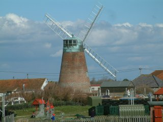 Bunn Leisure windmill